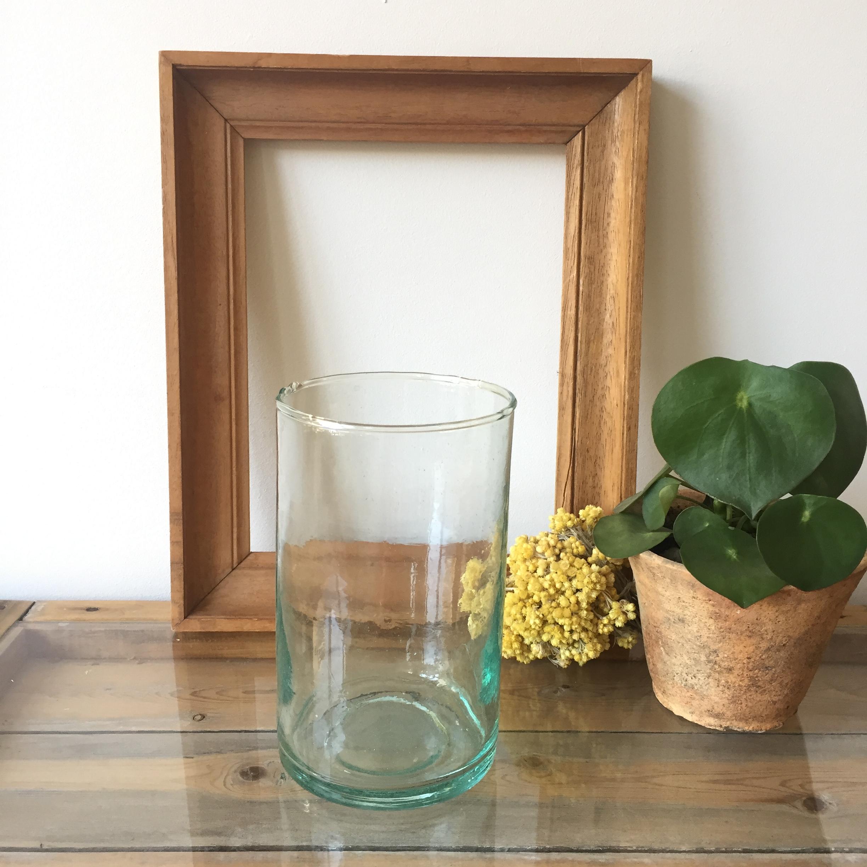 Vase cylindrique en verre soufflé